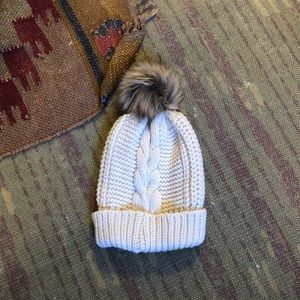 Accessories - NWT Chunky Knit cream colored beanie with Pom